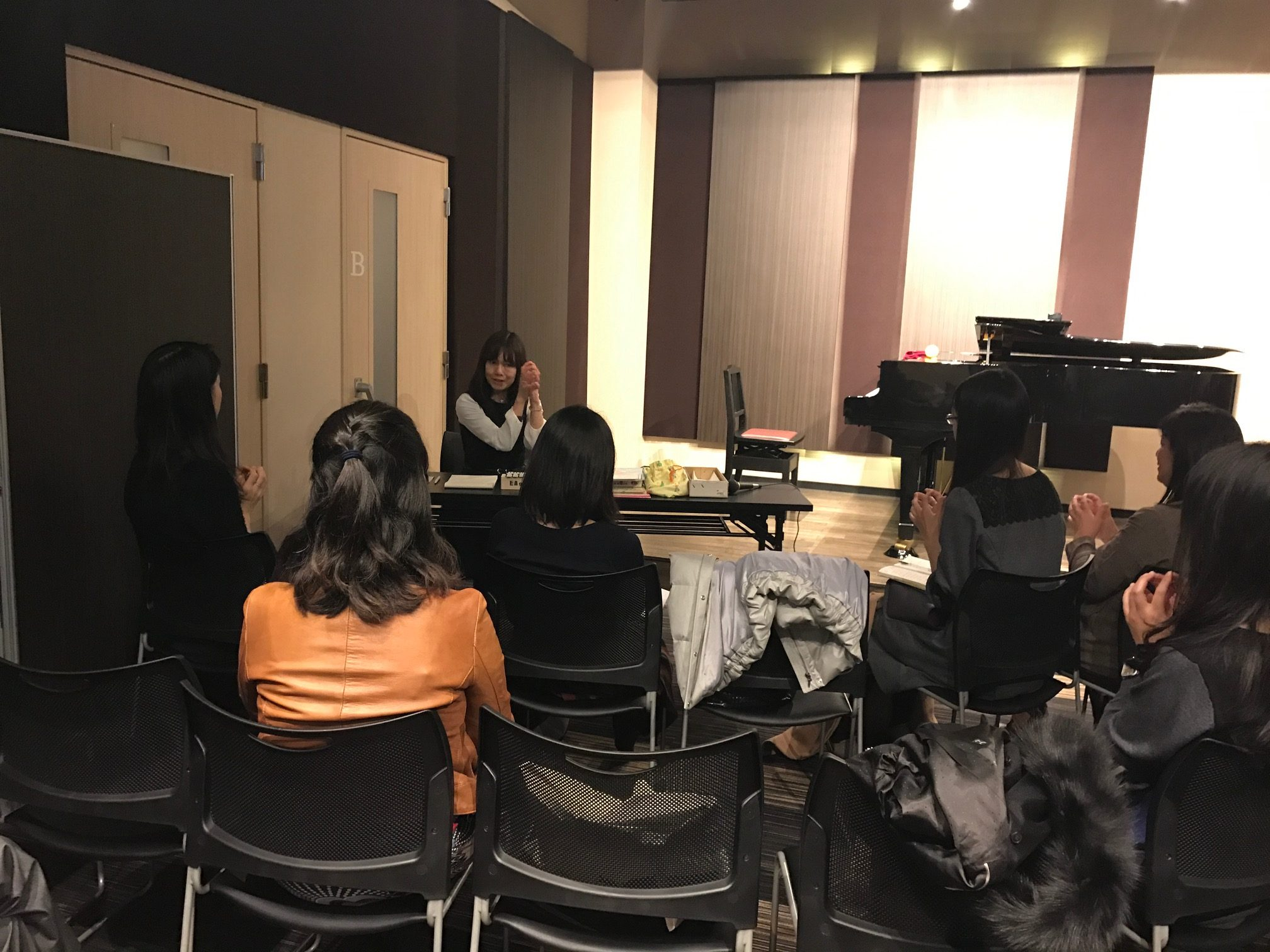 ピアノの先生も勉強しています
