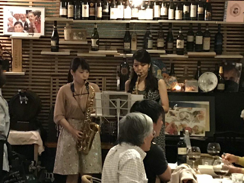 イタリアンレストランで演奏!